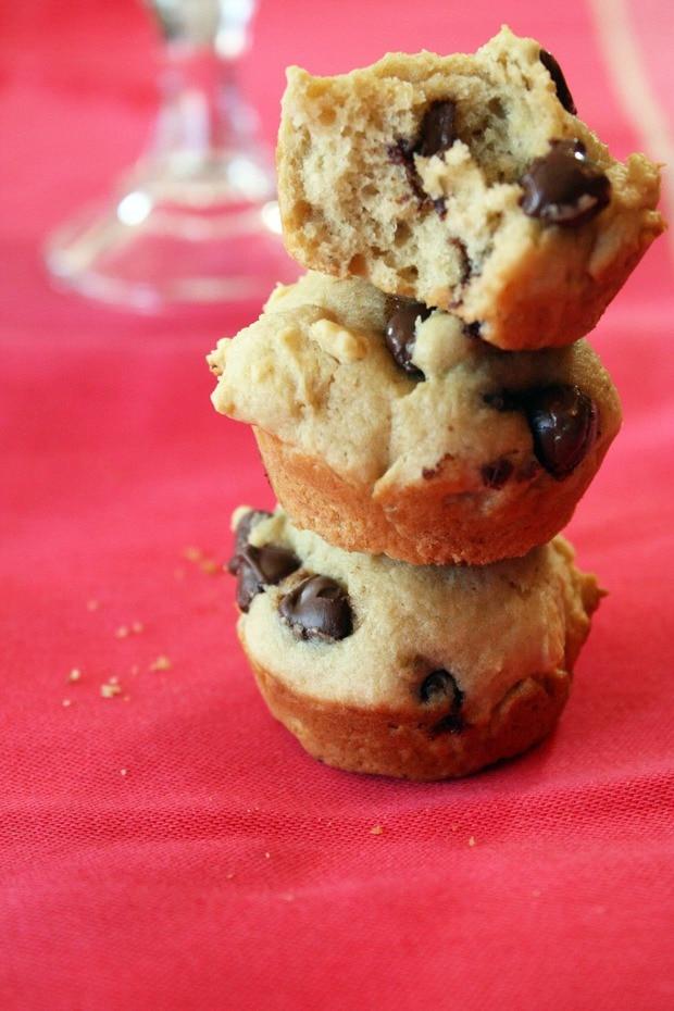 Banana Peanut Butter Chocolate Chip Muffins – Cake 'n Knife
