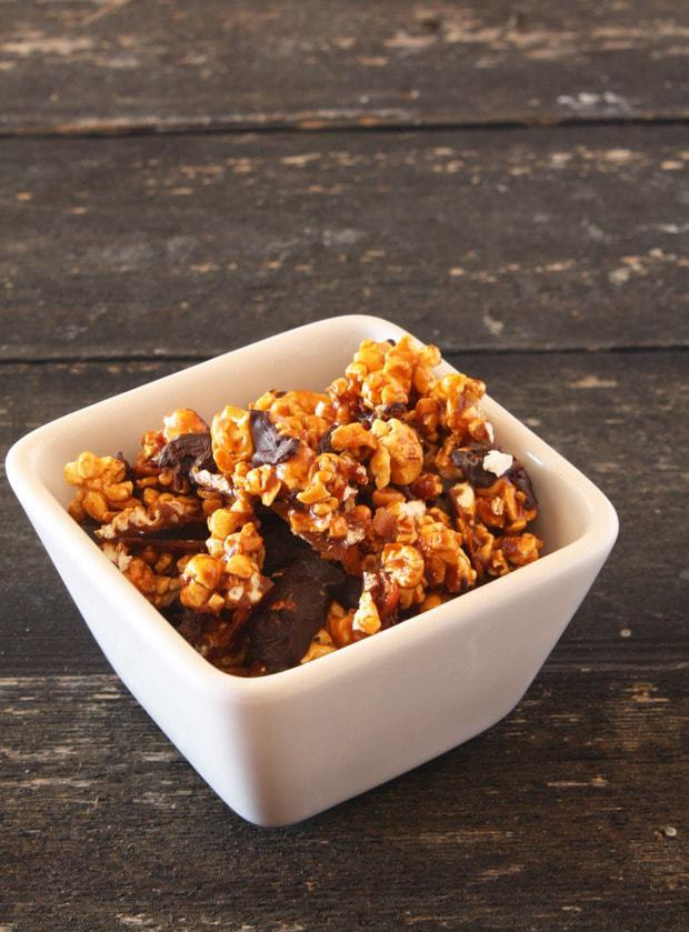 Bacon Chocolate Caramel Corn – Cake 'n Knife