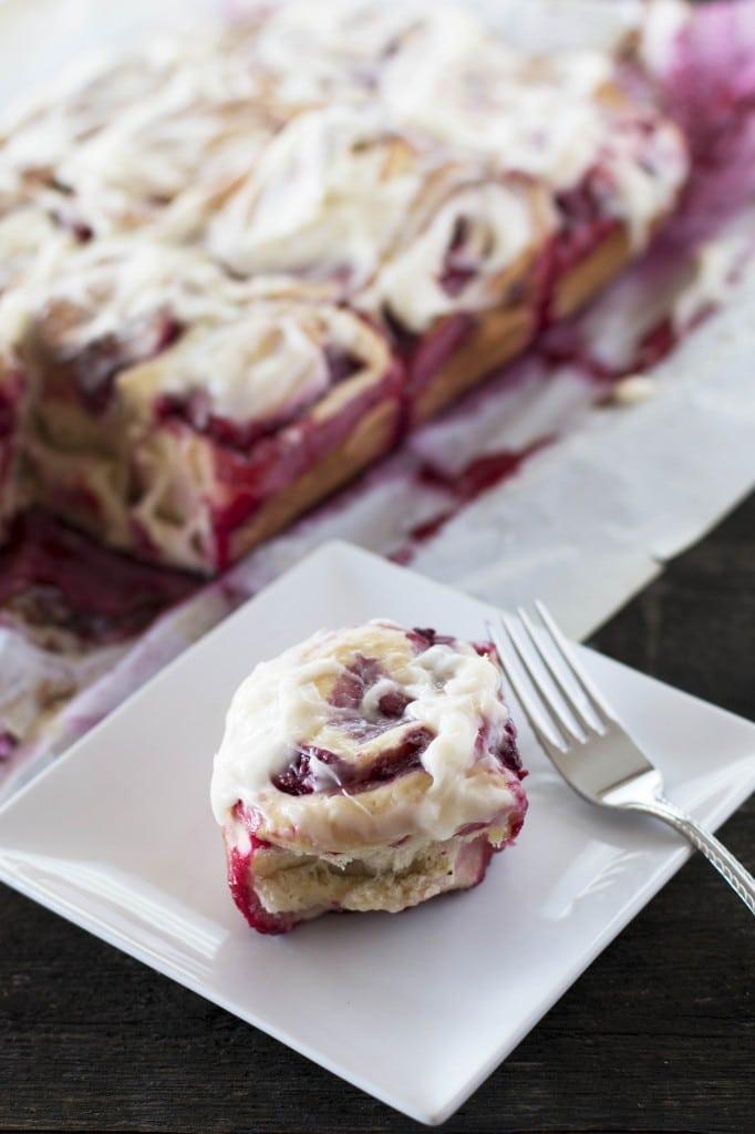 Raspberry Sweet Buns_1