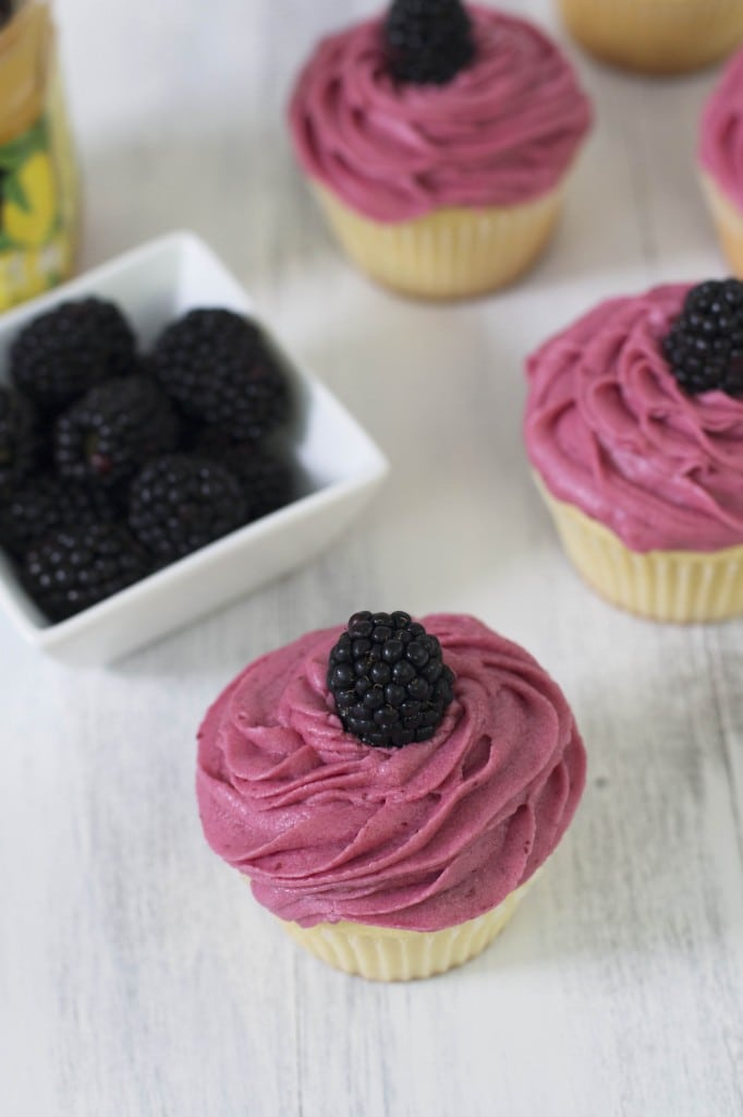 Lemon Blackberry Cupcake_1