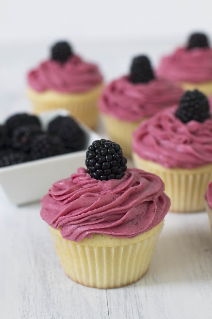 Lemon Blackberry Cupcake_3