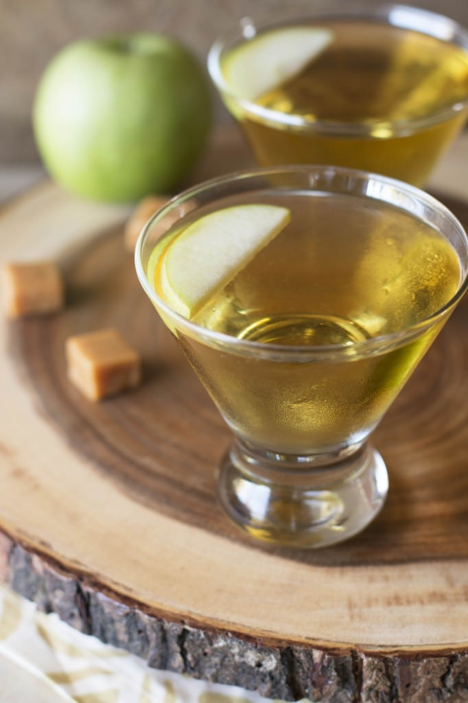 Caramel Apple Martini | cakenknife.com