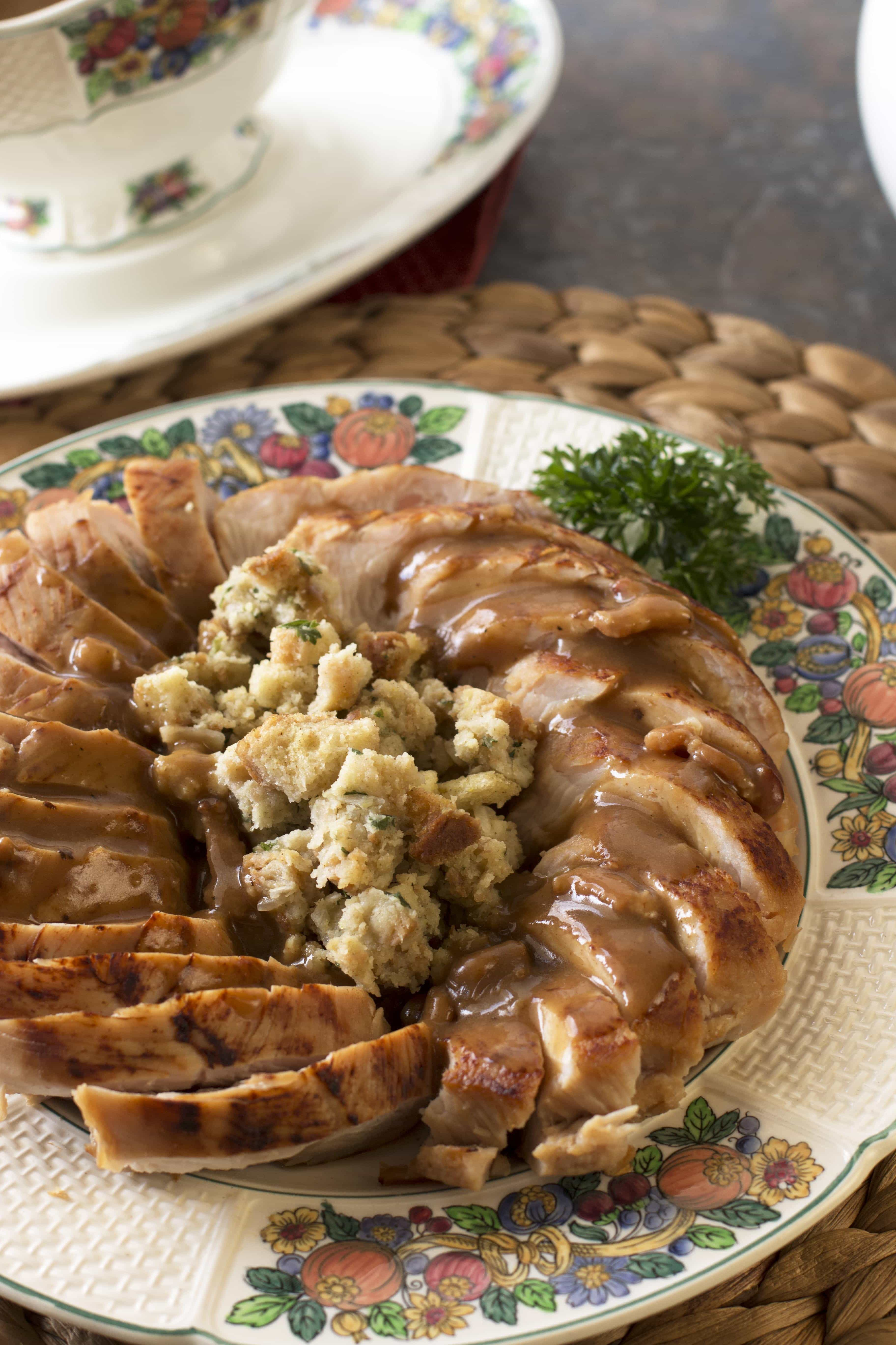 Beer Brined Turkey Breast with Bacon Gravy – Cake 'n Knife