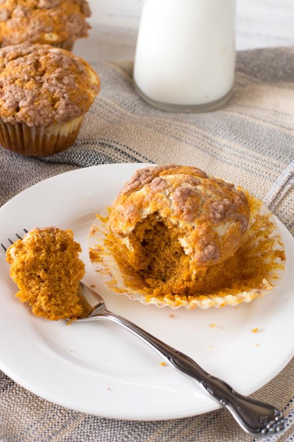 Pumpkin Cream Cheese Streusel Muffins | cakenknife.com