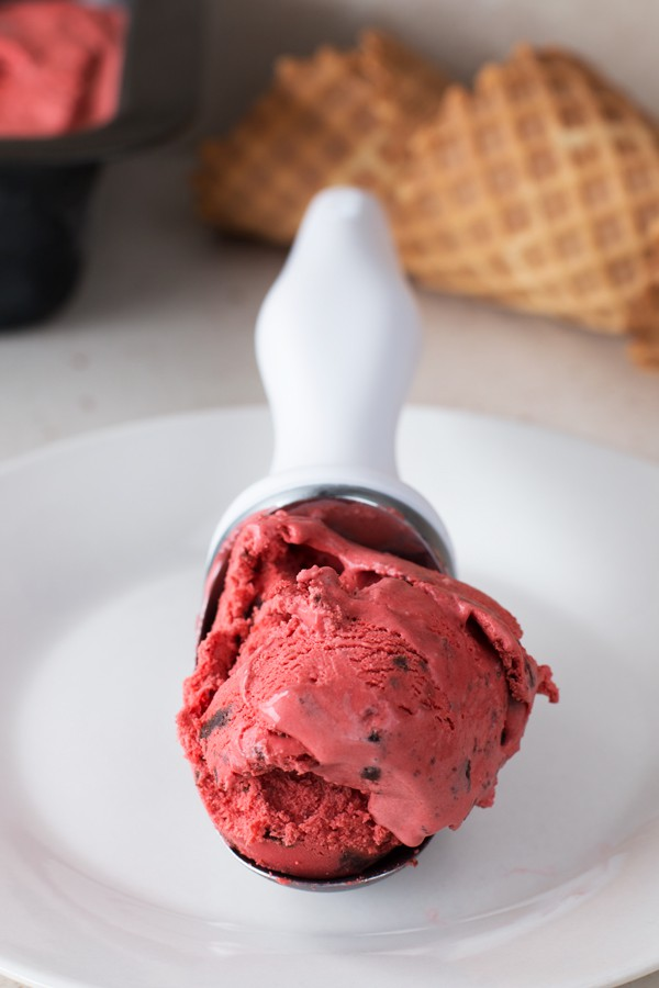Red Velvet Ice Cream with Brownie Chunks | cakenknife.com
