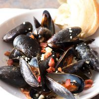Bacon Gorgonzola Mussels