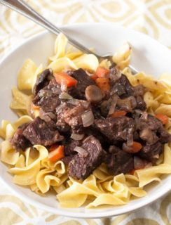 Braised Short Rib Stew with Red Wine & Mushrooms | cakenknife.com