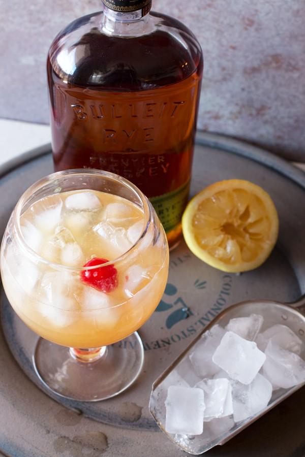 how to make whiskey sour egg white