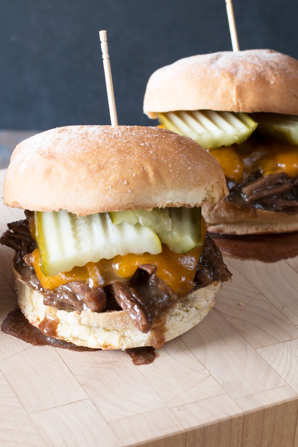 Guinness Braised Short Rib Sliders | cakenknife.com