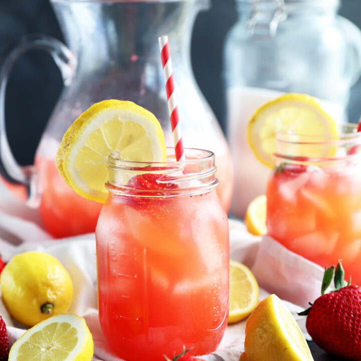 Vodka strawberry lemonade cocktail thumbnail image