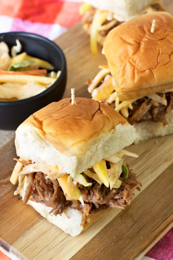 Tropical Pulled Pork Sliders with Mango Coleslaw | cakenknife.com