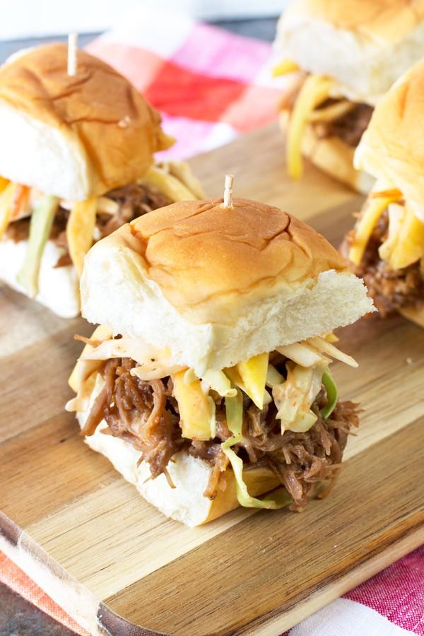 Tropical Pulled Pork Sliders with Mango Coleslaw | cakenknife.com