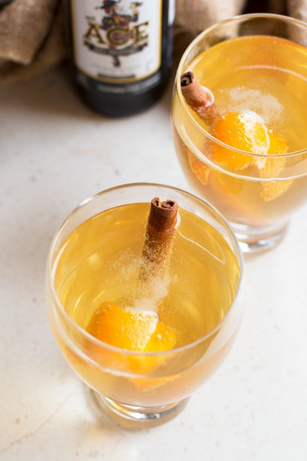 Apple Cinnamon Hard Cider Cocktail | cakenknife.com