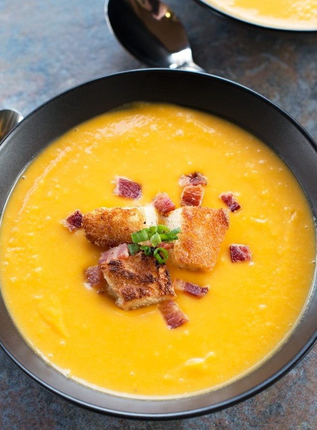 Roasted Butternut Squash Soup with Bacon Croutons | Blogsgiving 2015 | cakenknife.com