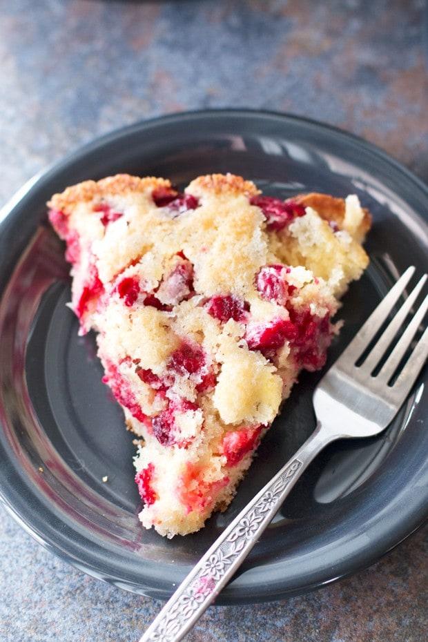 Christmas Cranberry Cobbler | cakenknife.com