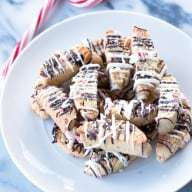 Peppermint Chocolate Chip Biscotti | cakenknife.com