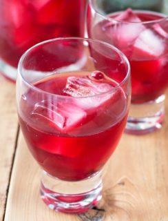 Pomegranate Negroni | cakenknife.com