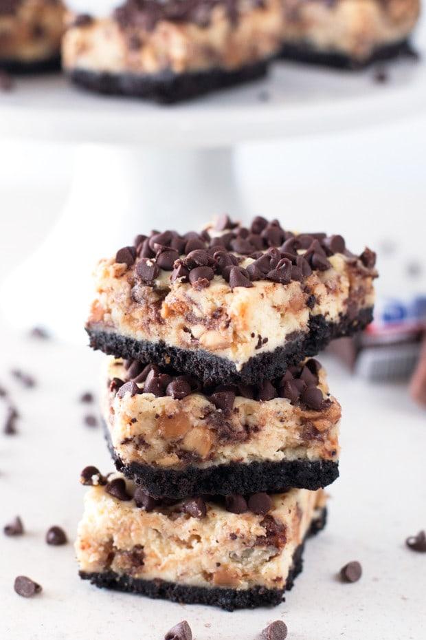 Snickers Caramel Cheesecake Bars   cakenknife.com