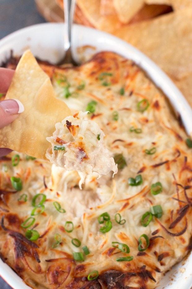 Crab Rangoon Dip with Crispy Won Ton Chips | cakenknife.com