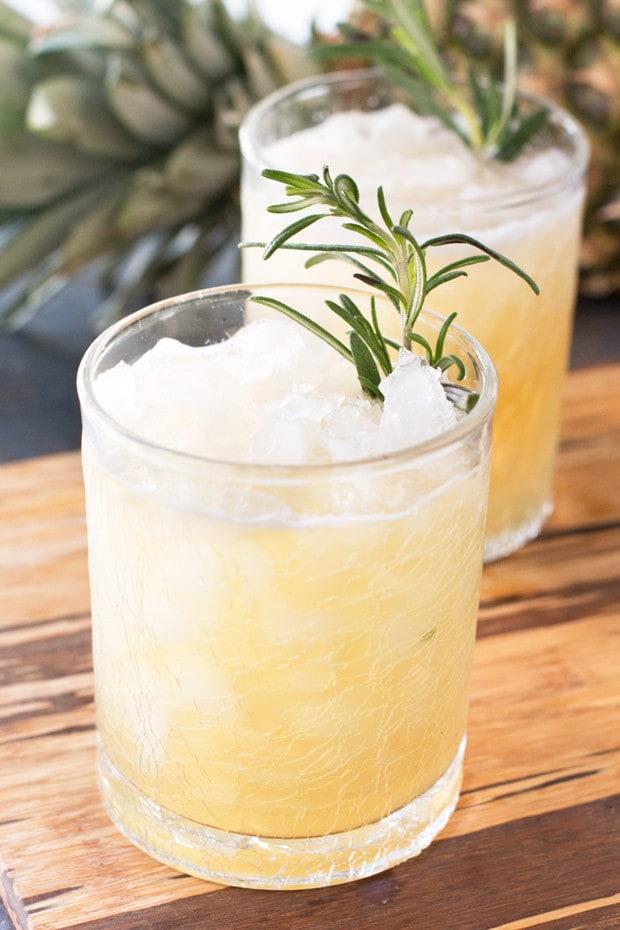 Pineapple Rosemary Smash | cakenknife.com
