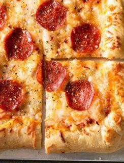 Perfect Garlic Agave Pizza Crust + a Dreamfarm Giveaway! | cakenknife.com
