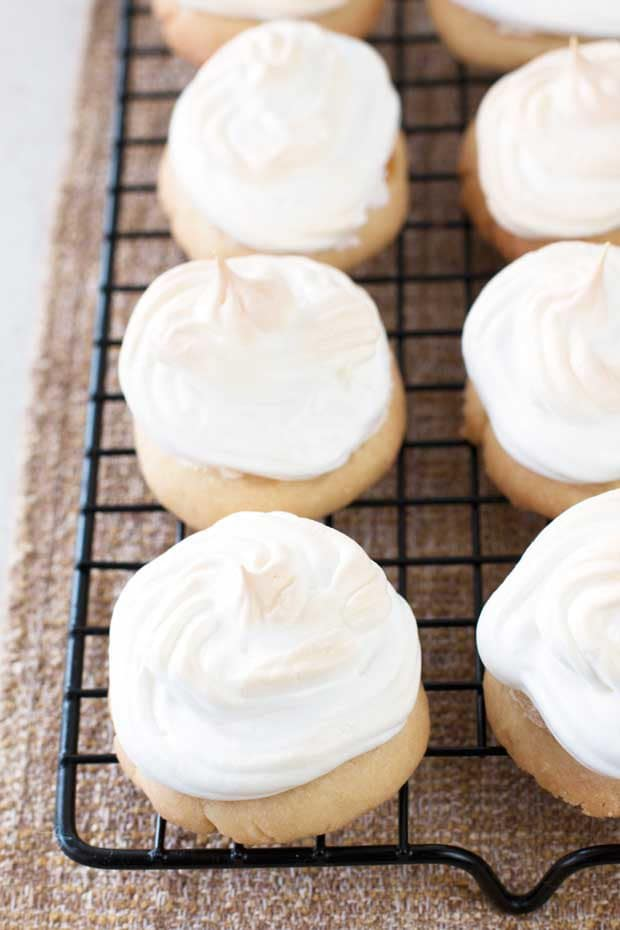 Lemon Meringue Cookies | cakenknife.com