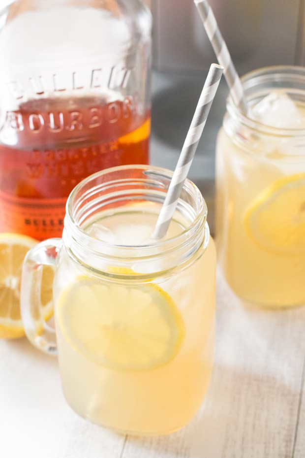 Sparkling Bourbon Peach Lemonade + A KitchenAid Sparkling Beverage Maker Giveaway! | cakenknife.com