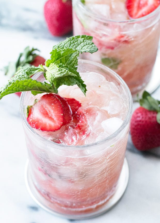 Strawberry Mint Julep | cakenknife.com