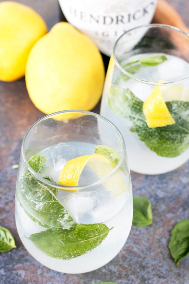 7 reasons love woman who drinks gin