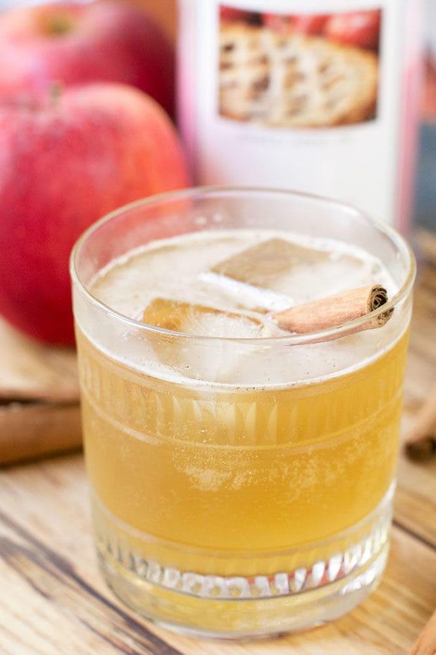 Bourbon Apple Cider Fizz | cakenknife.com