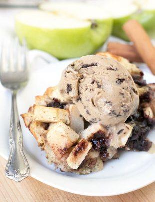 Chocolate Chip Apple Pie Bread Pudding | cakenknife.com