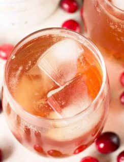 Cranberry Ginger Bourbon Fizz | cakenknife.com