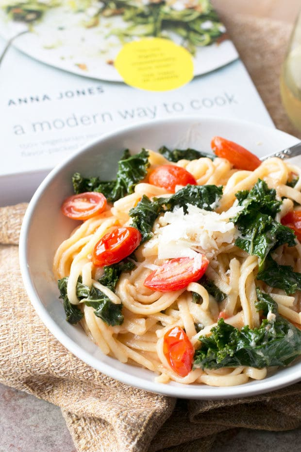 Kale, Tomato, and Lemon Magic One-Pot Spaghetti | cakenknife.com