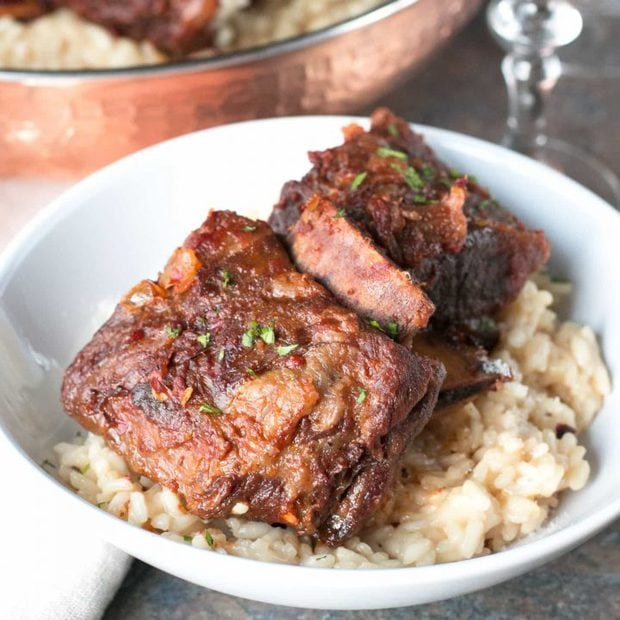 Chile Braised Short Ribs with Parmesan White Wine Risotto | cakenknife.com