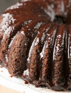 Dark Chocolate Chip Avocado Cake | cakenknife.com