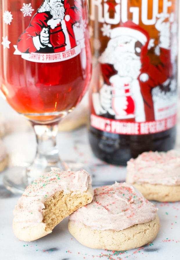 Christmas Ale Sugar Cookies with Spiced Buttercream Frosting | cakenknife.com