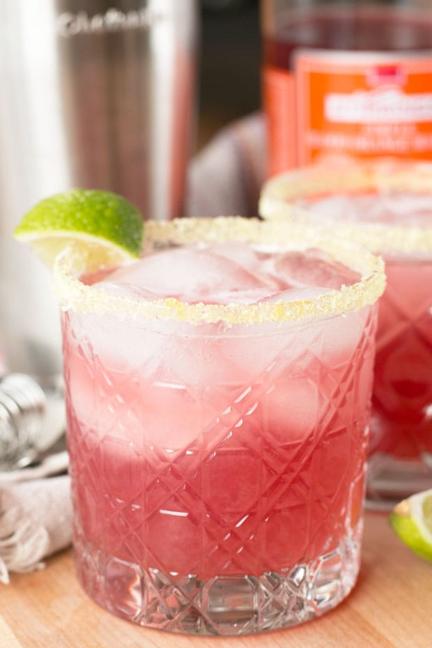 Winter Citrus Margarita | cakenknife.com