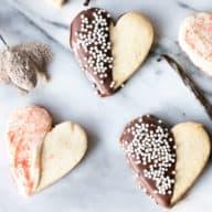 Vanilla Bean Cardamom Sugar Cookies | cakenknife.com