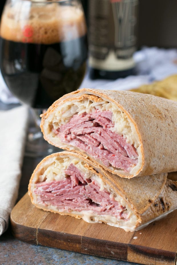 Irish Corned Beef Reuben Wrap | cakenknife.com #sandwich #lunch