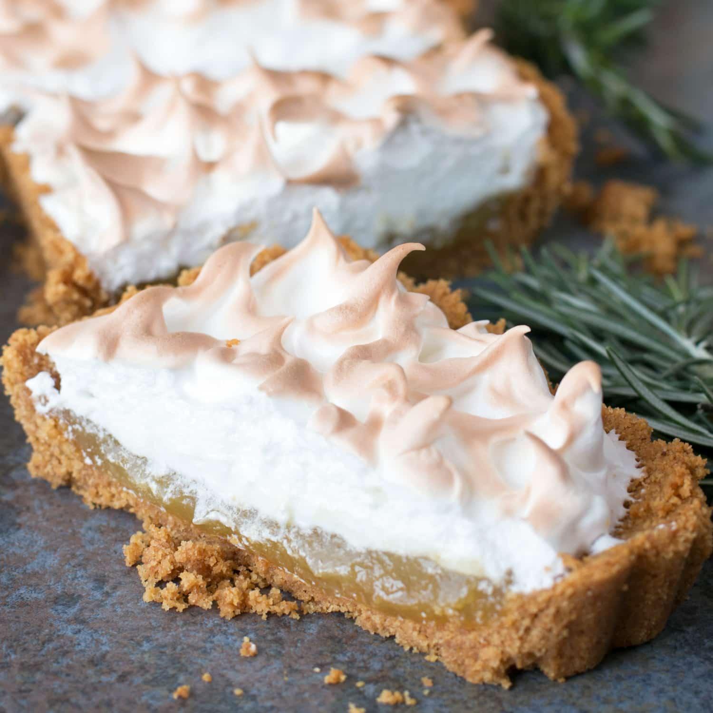 Lemon Rosemary Meringue Tart – Cake 'n Knife