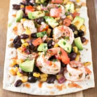 Southwestern Shrimp Flatbread | cakenknife.com #appetizer #party #seafood