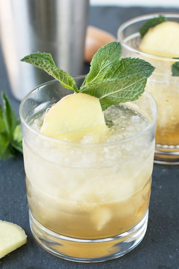 Sparkling Ginger Mint Julep | cakenknife.com #cocktail #Derby #mint