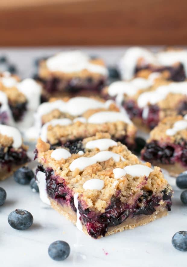 Blueberry Pie Crumb Bars | cakenknife.com #dessert #pie #summer