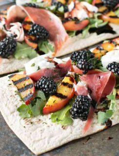 Grilled Peach Prosciutto Flatbread with Blackberry Balsamic Drizzle   cakenknife.com #flatoutflatbread #pizza #appetizer