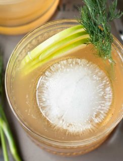 Whiskey Apple Ginger Fizz | cake knife.com #cocktail #happyhour #whiskey