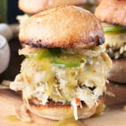 Hatch Green Chile Chicken Sliders   cakenknife.com #tailgating #spicy #sandwich
