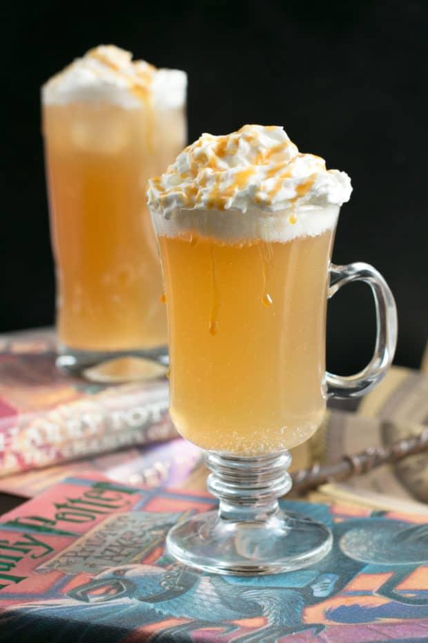 Butterbeer Cocktail (Two Ways!) | cakenknife.com #butterbeer #harrypotter #cocktail
