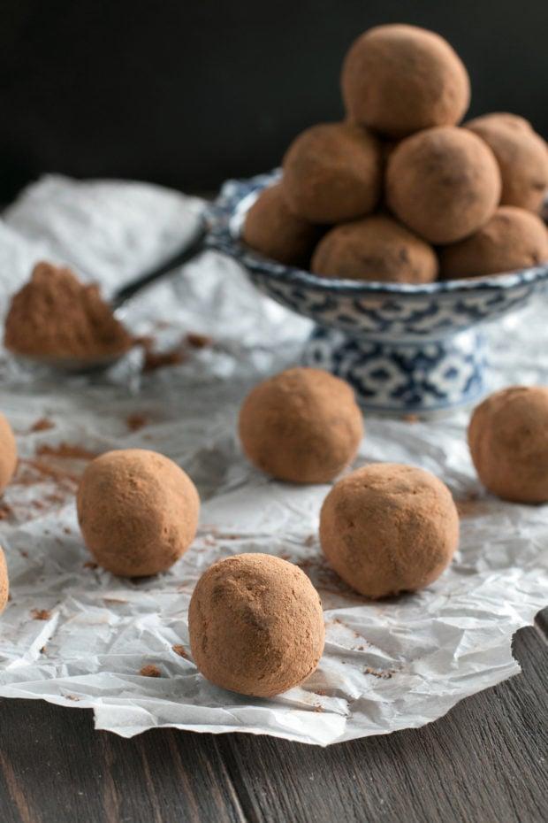 Vegan Spicy Avocado Dark Chocolate Truffles | cakenknife.com #vegan #dessert #holiday #chocolate