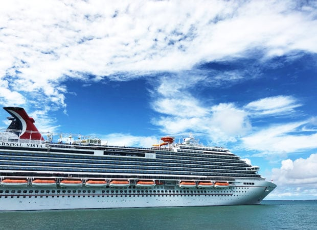 Cruise Ship Secrets for Millennials | cakenknife.com #cruisingcarnival #cruising #tipsandtricks #carnivalvista #sponsored
