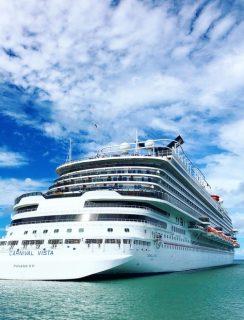 Cruise Ship Secrets for Millennials | cakenknife.com #cruisingcarnival #cruising #tipsandtricks #carnivalvista #sponsored